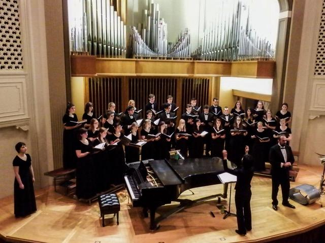 The+Linfield+Choir+will+perform+the+world+premiere+of+professor+of+music+Andrea+Reinkemeyer%27s+piece+%22When+Justice+Reigns%22+at+its+concert+on+Sunday.+
