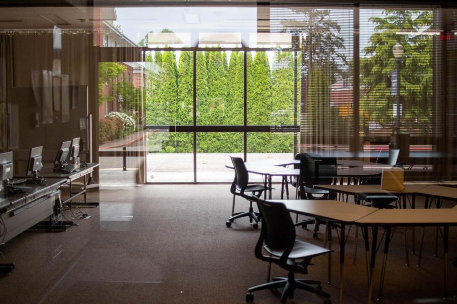 [PHOTOS] Finals approaching, but popular study spots remain empty
