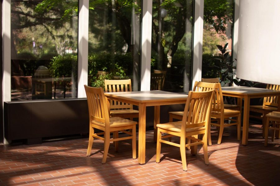 The Atrium in Murdock Hall was popular among STEM students. Light always shines through the West-facing floor-to-ceiling windows, creating a warm environment for students to meet for group projects or kill time between classes in Graf and Murdock. The chairs have stayed positioned the same since campus closure.