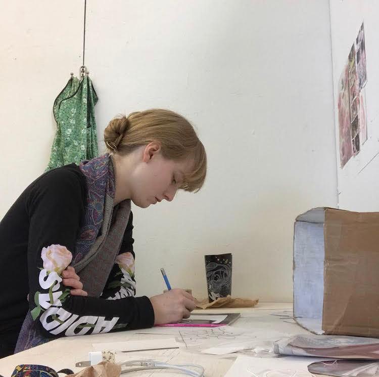 Weber+in+her+studio