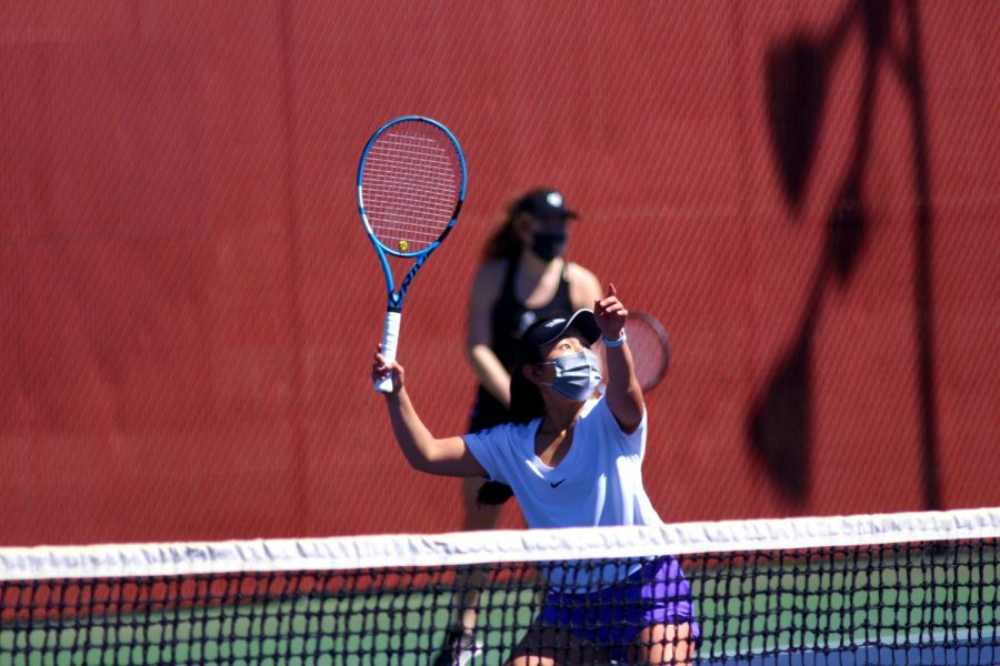 Senior+Haley+Fujimori+won+6-1%2C+6-0+in+her+singles+match+on+Wednesday+afternoon.+